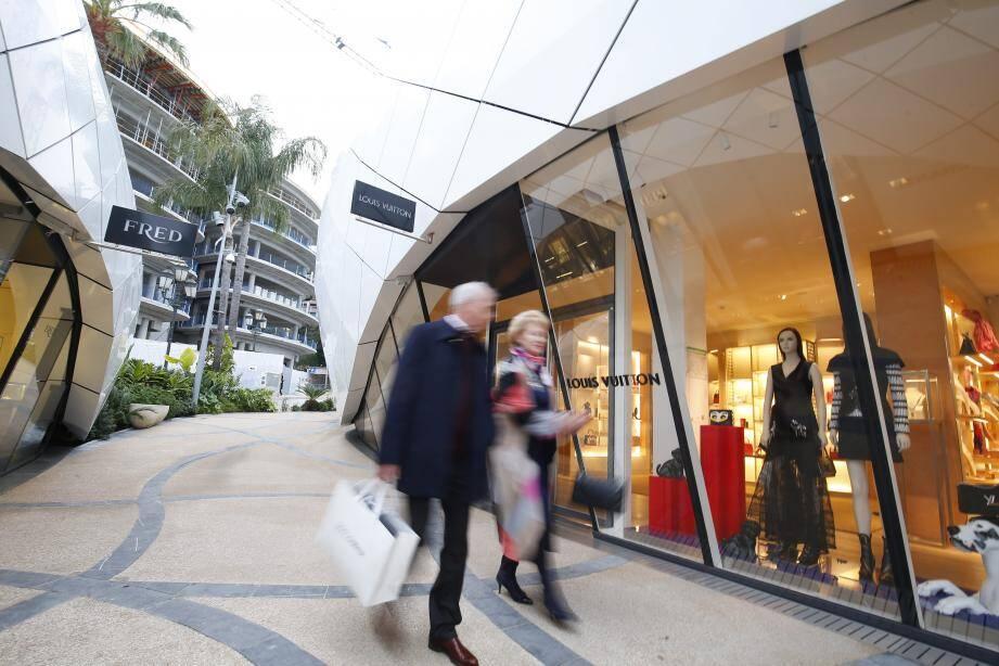 La devanture du magasin Louis Vuitton.