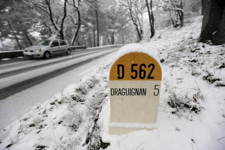 Trafic routier perturbé en Dracénie.