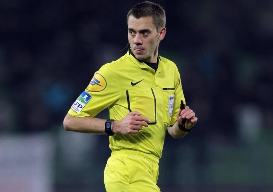 """Clément Turpin officiera """"pour sa première finale"""" de Coupe de la Ligue."""