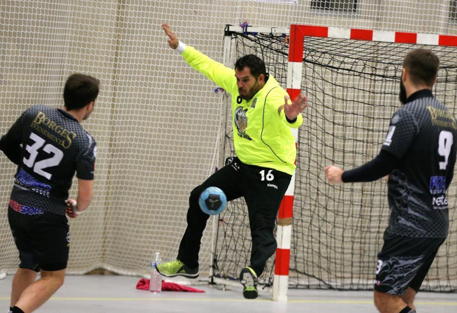 Les handballeurs dracénois se  doivent de s'imposer samedi à Miramas pour entretenir l'espoir de recoller au peloton de tête de cette poule 8 de nationale 3.