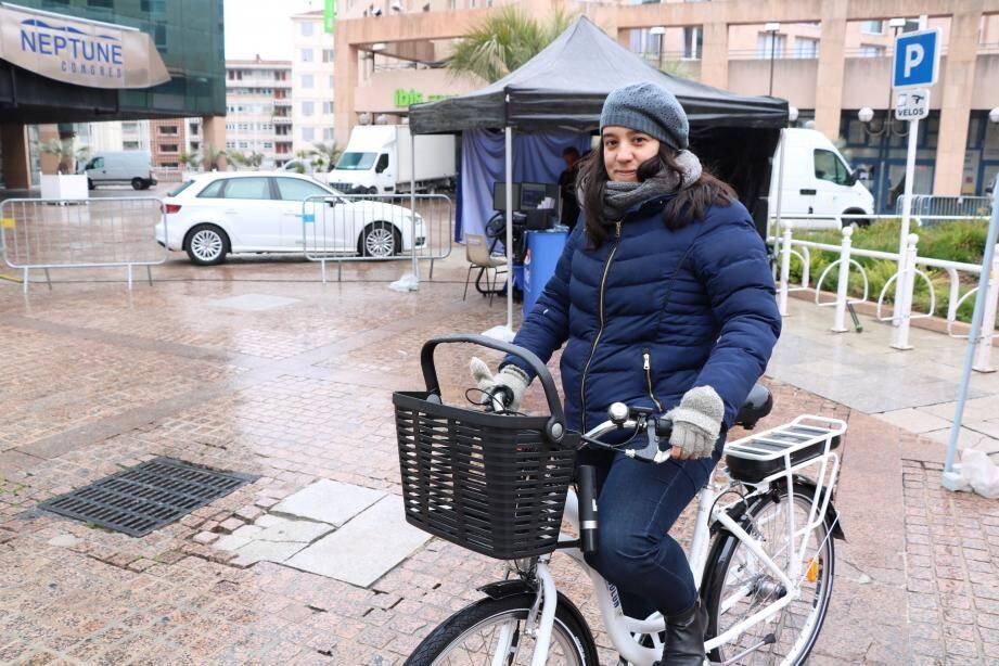 Malgré une météo défavorable, un atelier sécurité routière permettant au public d'appréhender l'utilisation des vélos à assistance électrique.