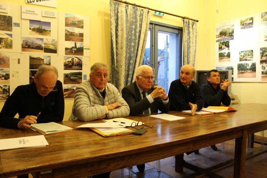 L'assemblée générale s'est déroulée en présence du maire de la ville, Jean-Pierre Giran, qui a annoncé l'aboutissement du projet du réseau d'assainissement aux Borrels.