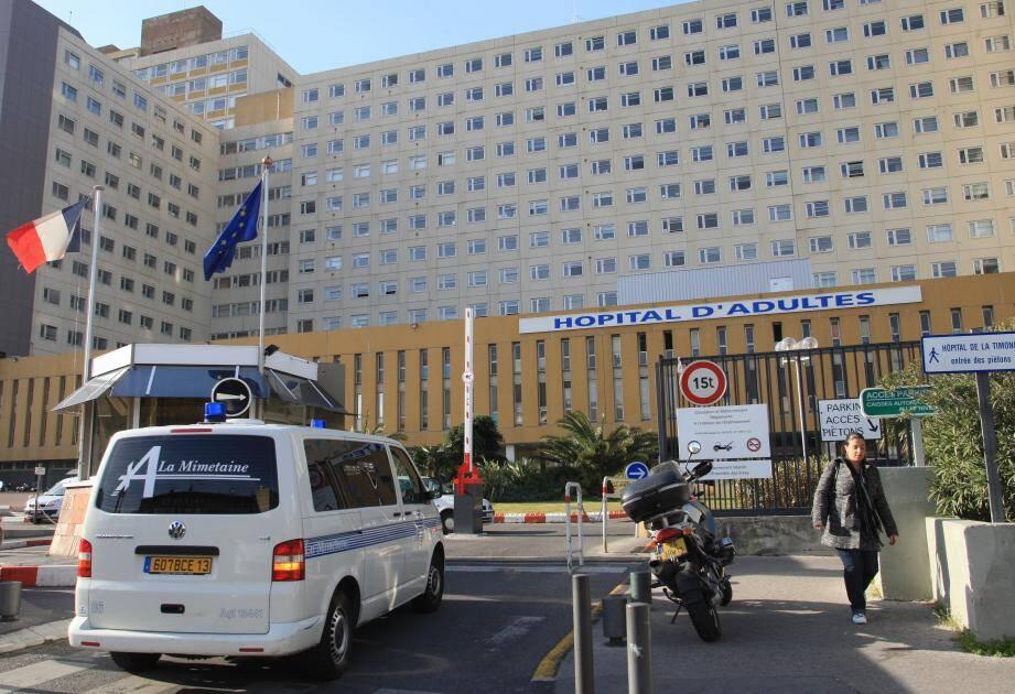 L'hôpital a annoncé l'ouverture d'une enquête interne.