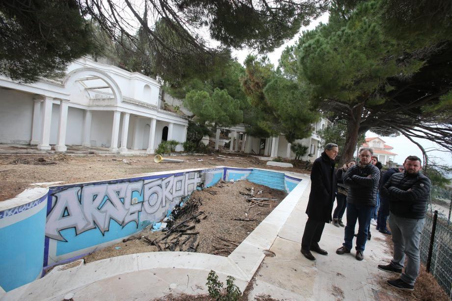 Soulagé d'arriver au bout de la procédure, le maire a hâte de retrouver un littoral débarrassé de ces constructions illégales.