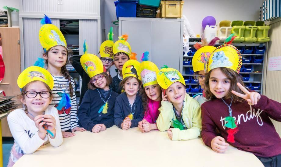 À l'accueil élémentaire de Carnolès, les coiffes de samba sont de sortie.