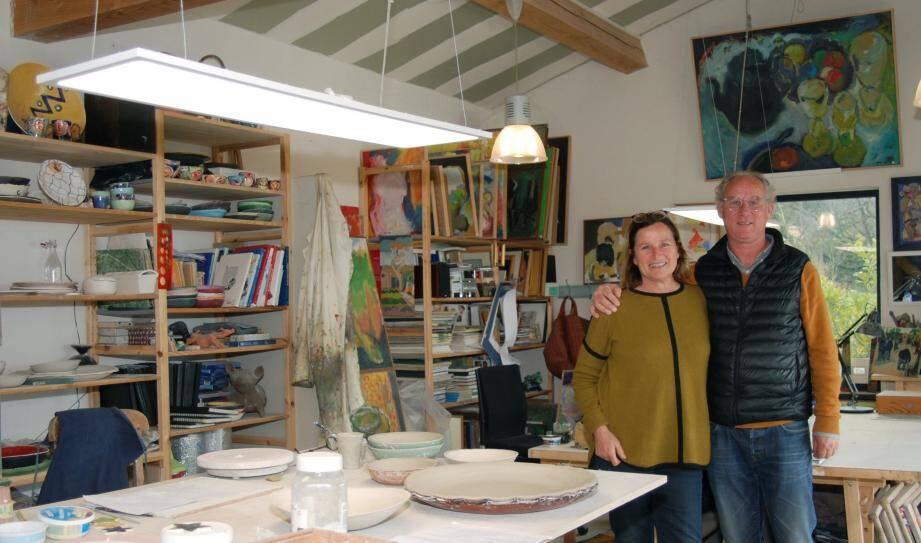 « Pas besoin de savoir dessiner pour dessiner », assurent Florence et Sylvain Becquart.