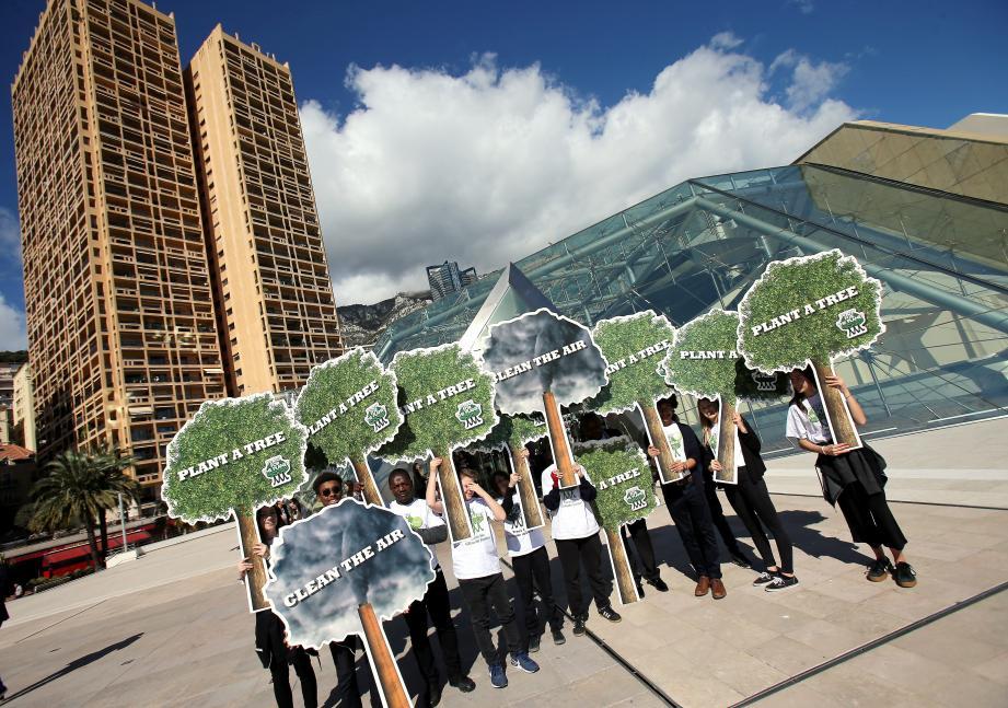 Hier au Grimaldi Forum, la jeunesse s'est engagée pour que 1 000 milliards d'arbres soient plantés dans le monde.