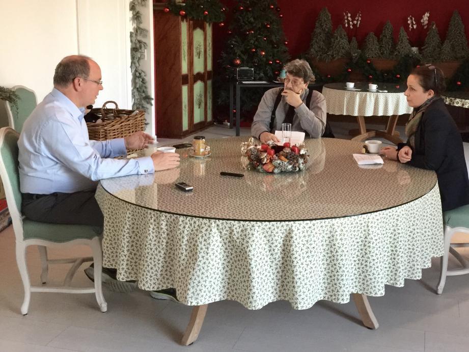 Le prince Albert II se confie dans ce livre sur l'homme qu'il est. Les derniers entretiens avec Isabelle Rivere et Peter Mikelbank ont eu lieu en janvier dernier à Rocagel.