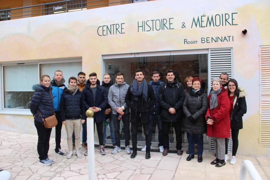 Les étudiants du Master 1 Management Sport et Tourisme sportif de l'UNSA et leur professeur Jean-Paul Derai en visite à Beausoleil.