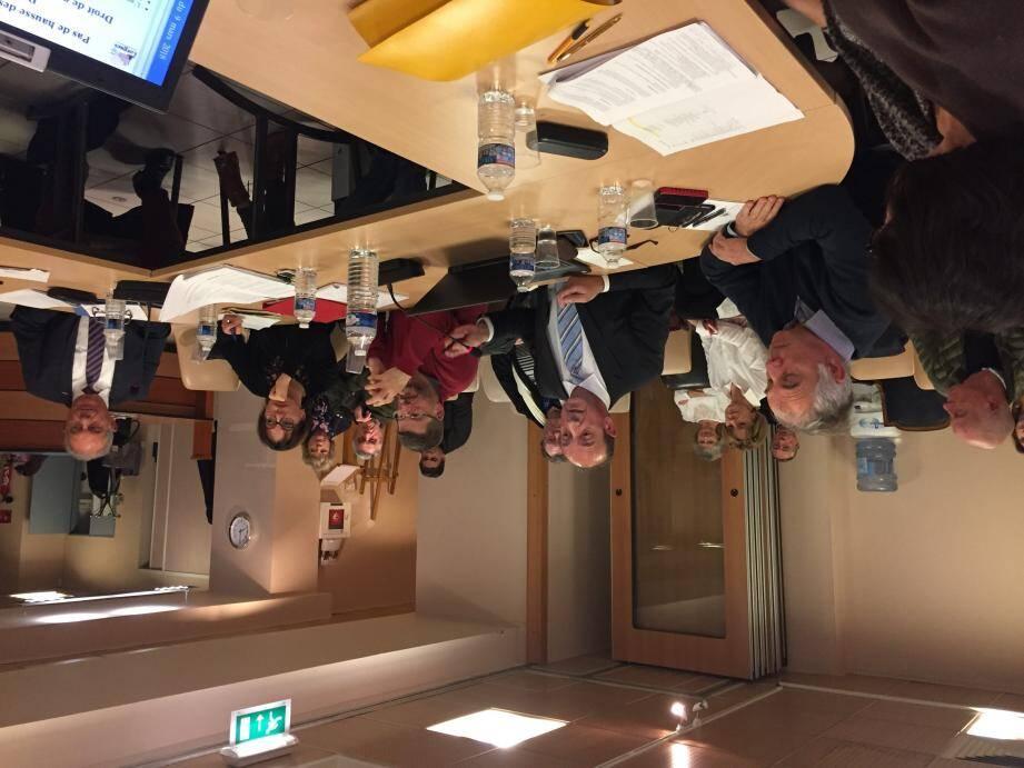 Le maire Claude Alemagna lors du débat d'orientation budgétaire.