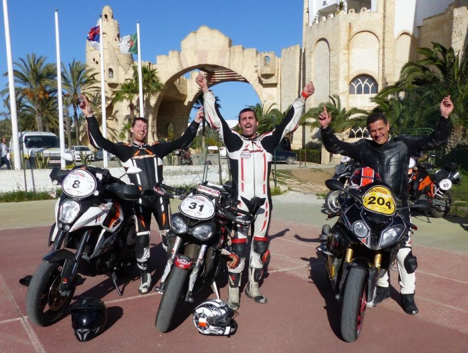 Le podium du Moto Tour Series Tunisie avec, à gauche, le vainqueur Jérémy Barnoin.