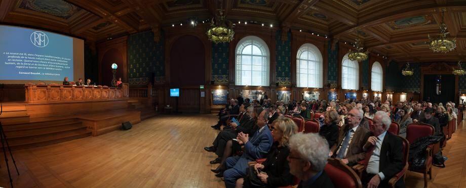 Le prince Albert II a ouvert les IXes Rencontres internationale Monaco et la Méditerranée présidée par Élisabeth Bréaud, hier matin, au Musée océanographique.