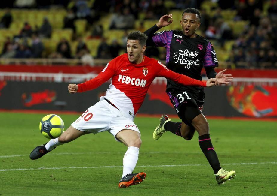 Après avoir été impérial en l'absence de Falcao en pointe (5 buts en 5 journées), Stevan Jovetic pourrait être aligné ce soir en soutient d'El Tigre.