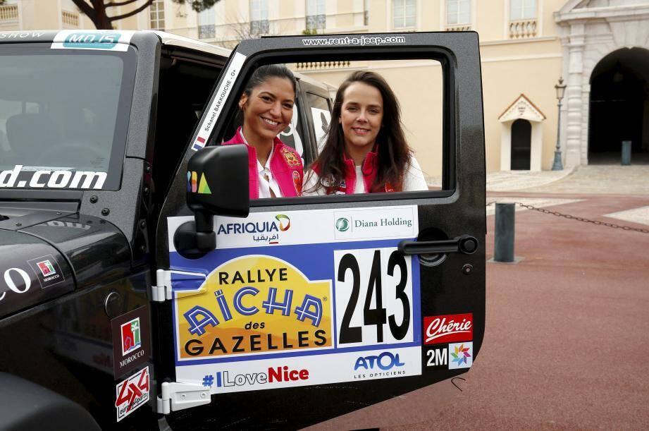 Pauline Ducruet (à droite) et Schanel Bakkouche, quelques heures avant le départ.