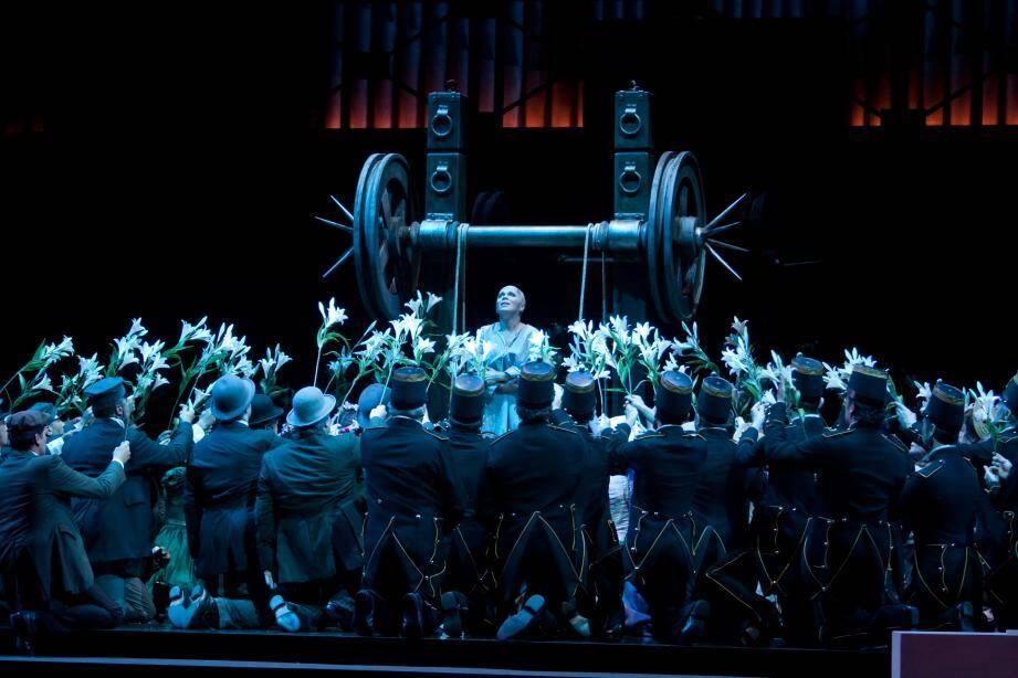 L'opéra Faust se prépare en ce moment à Monaco.