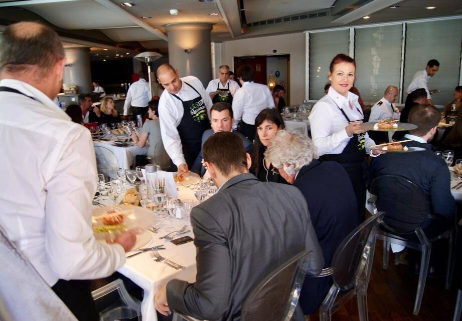 Près d'une centaine d'invités pouvaient juger des motivations et compétences des candidats durant le déjeuner éphémère.