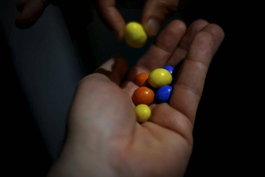 Un ressortissant russe proposait ces bonbons multicolores au personnel du « Twiga ».
