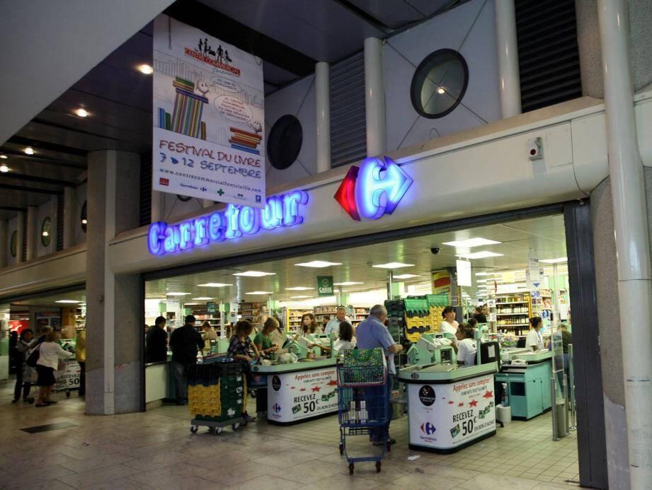 L'hypermarché Carrefour a reconnu l'erreur et souhaité rembourser le client.
