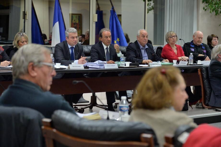 Le conseil municipal de Roquebrune.