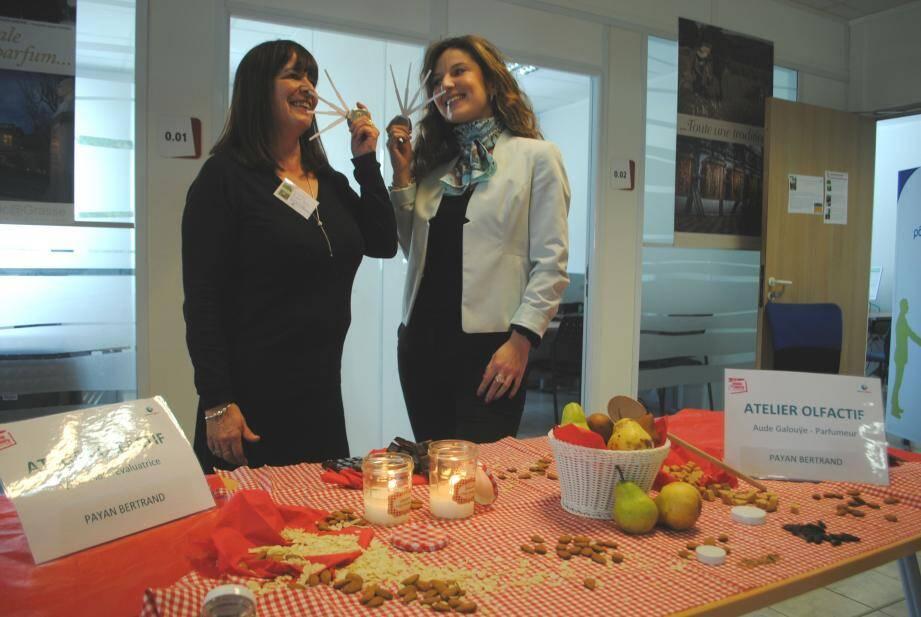 Sylvie Blas, évaluatrice et Aude Galouÿe, parfumeur chez Payan Bertrand ont animé des ateliers.