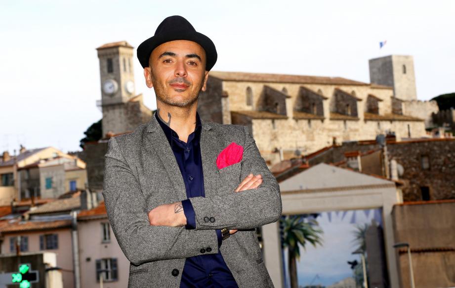 À partir de ce lundi soir et jusqu'à vendredi, Olivier Pion, habitant du Suquet, tâchera de vendre des appartements cannois sur M6.