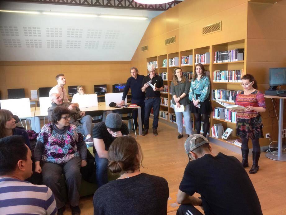 La bibliothèque s'est transformée en un grand espace d'expression à l'occasion de la journée mondiale du théâtre.