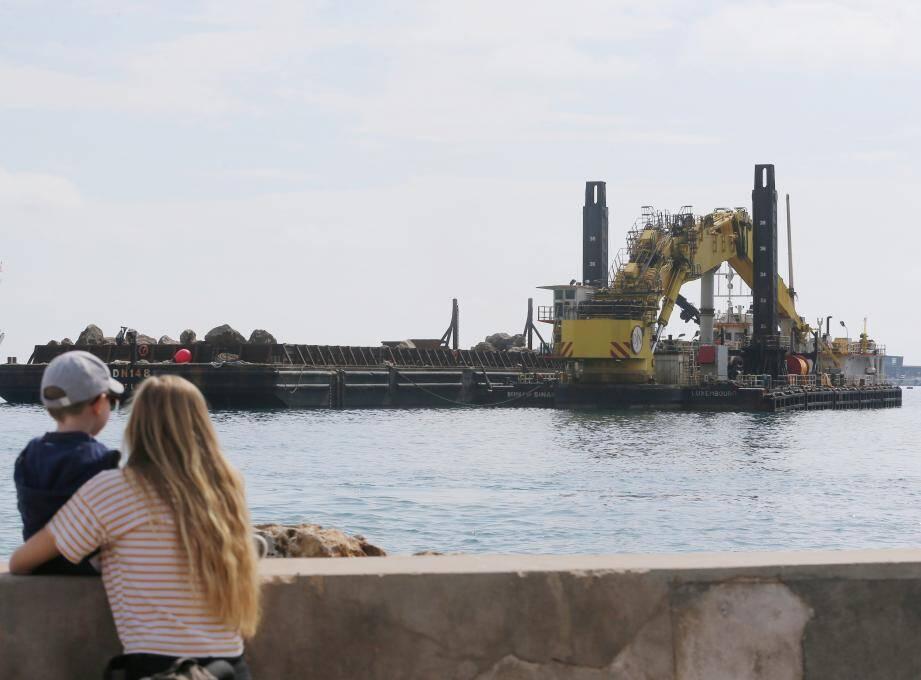 La direction des Affaires maritimes et la police maritime «suivent de près l'évolution de la situation».