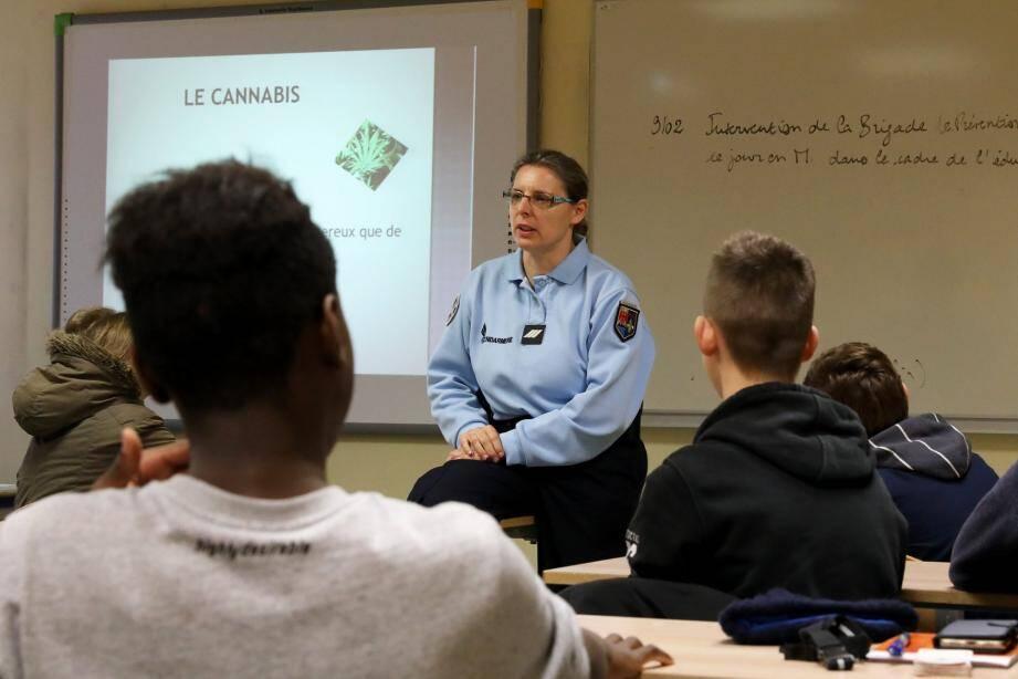 En 2017, quelques élèves avaient posé des questions intéressantes face aux gendarmes venus échanger avec eux sur différents sujets qui les concernent directement, avec informations et rappels à la loi.