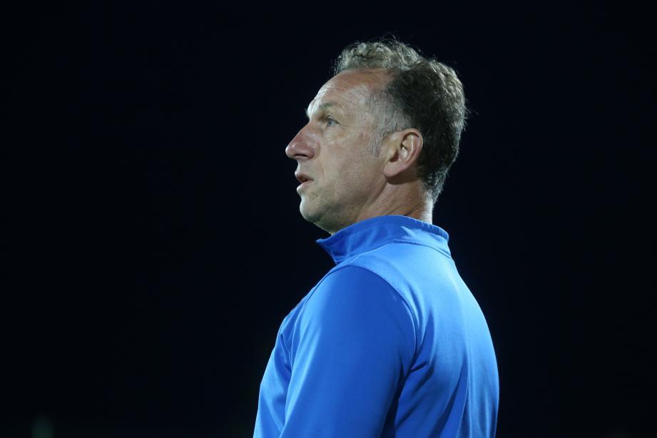 Jean-Noël Cabezas, l'entraîneur de Fréjus/Saint-Raphaël, ne comprend pas la décision de la Fédération de faire rejouer le match.