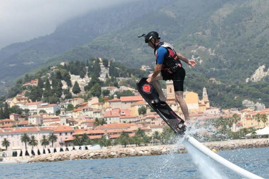 Le centre nautique propose des stages d'optimist, de planche à voile, de kayak, de paddle...(DR)