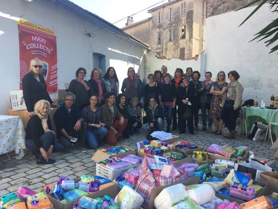 Un bel élan de solidarité du tissu associatif, salué, avant hier, au local de l'association « Le Lien » par l'équipe du planning familial varois.