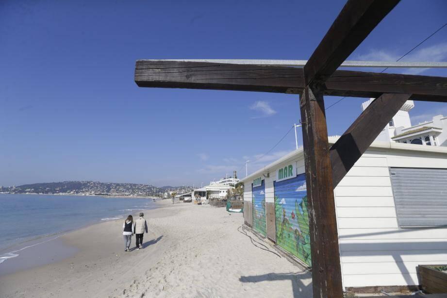 Les plages privées du Lutetia devront être démolies au frais de leurs propriétaires.