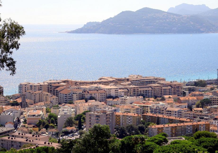 Le printemps arrive sur la Côte d'Azur.