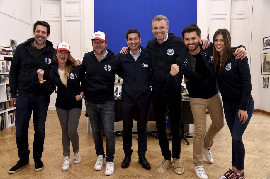 L'équipe d'animateurs de TF1 conviée dans le bureau du maire de Cannes David Lisnard.