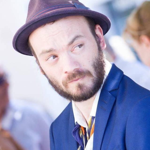 « J'aime et défends tout ce qui est populaire », explique Julien Cola, soucieux aussi de réhabiliter le métier d'animateur.