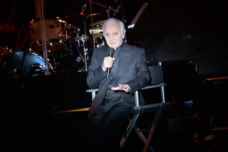 Charles Aznavour à la Salle des étoiles du Sporting de Monaco en 2016.