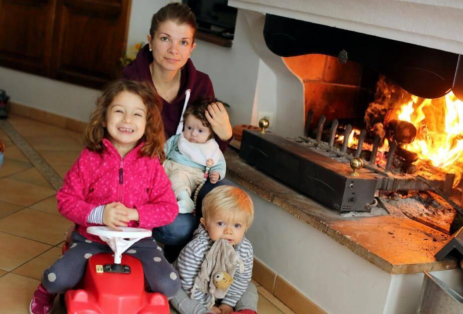 Amandine, son compagnon et ses trois enfants en bas âge ont été piégés sur l'autoroute, sur laquelle ils se sont engagés sans voir aucun avertissement de danger.