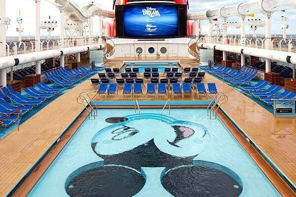 La compagnie Disney Cruises Line.