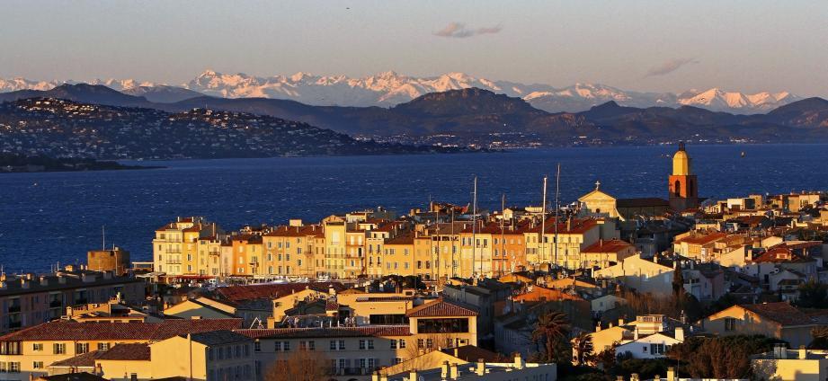 La ville de Saint-Tropez.
