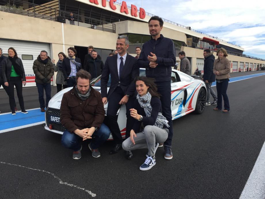 L'équipe F1 de Canal + est venue prendre ses marques au Castellet.