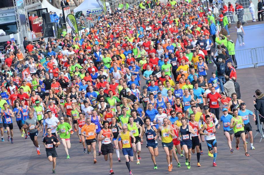Plus d'un millier de coureurs sont attendus dimanche à Monaco.