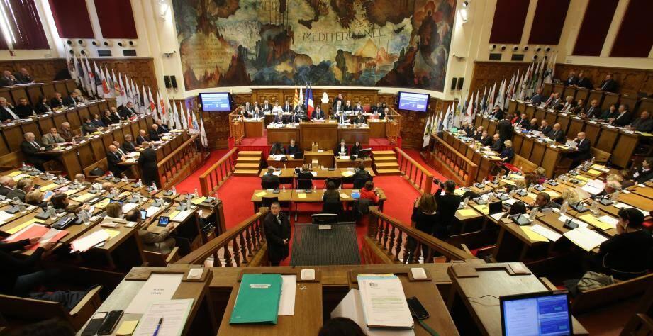 Le nouvel impôt métropolitain a fait l'objet d'un vif débat ce lundi en séance publique.