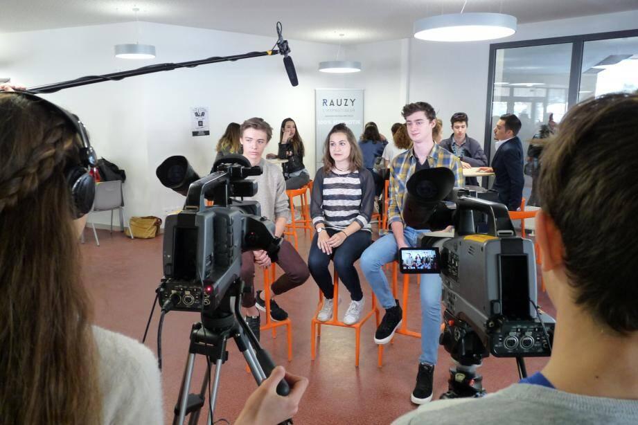 Les élèves du collège des Bréguières de Cagnes-sur-Mer ont interrogé leurs aînés du lycée Renoir.