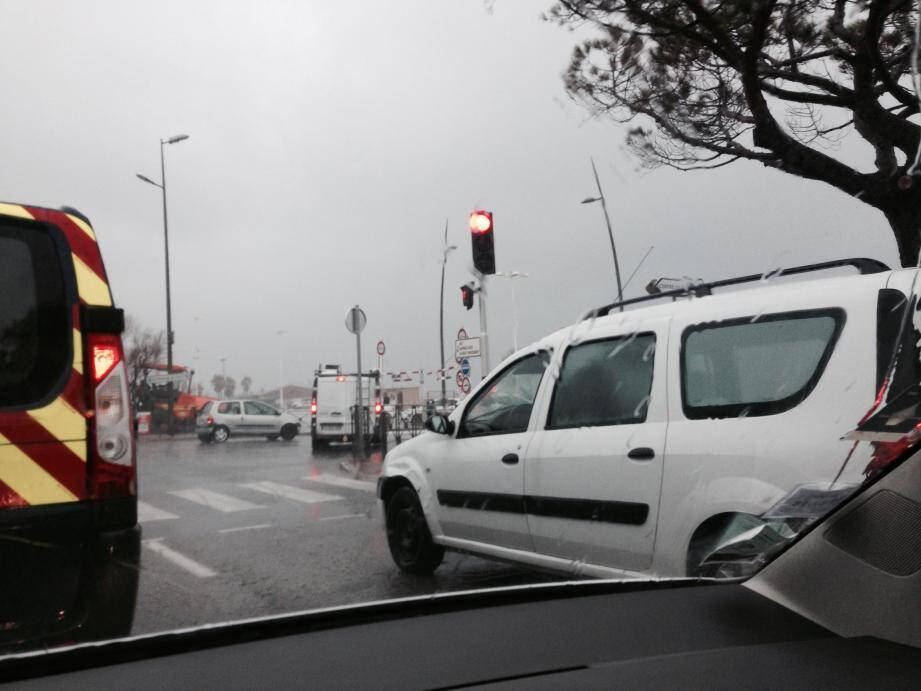 Le parking du port de Saint-Tropez fermé pour submersion
