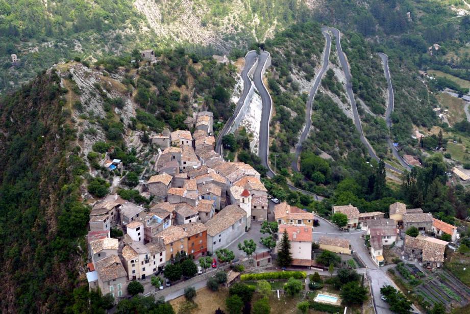 Une vue du village de Rigaud.