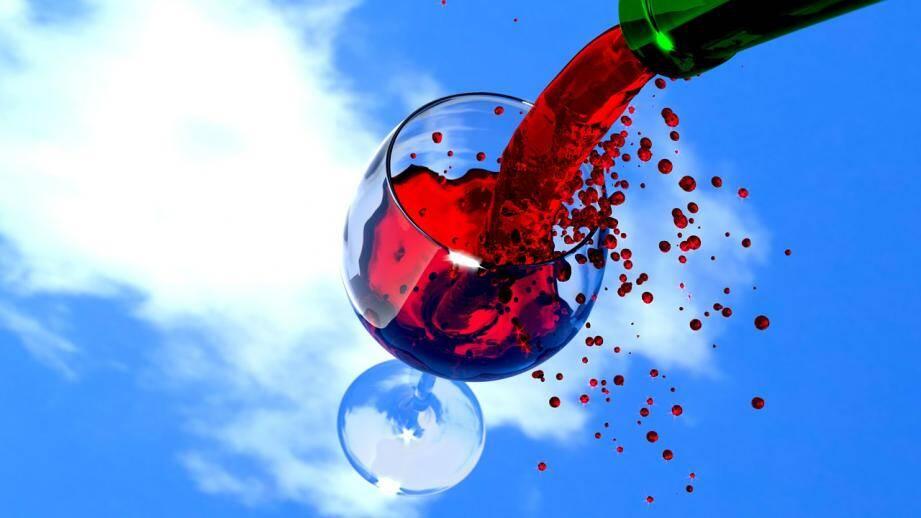 Dans cette affaire de fraude, 1.000 hectolitres, présentés comme du vin AOP chateauneuf du pape dont la valeur marchande est estimée à 700.000 euros, n'en était pas.
