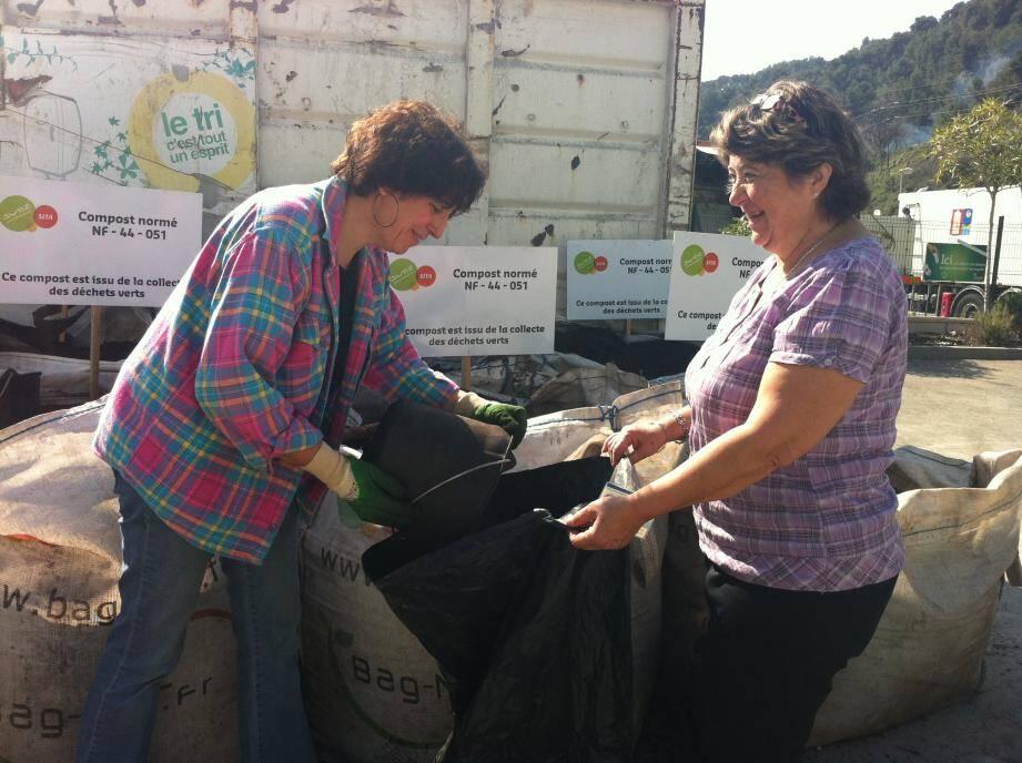 La Communauté d'agglomération de la Rivera française (Carf) organise sa traditionnelle distribution gratuite de compost, le week-end des vendredi 6, samedi 7 et dimanche 8 avril, dans les déchèteries communautaires. (DR)