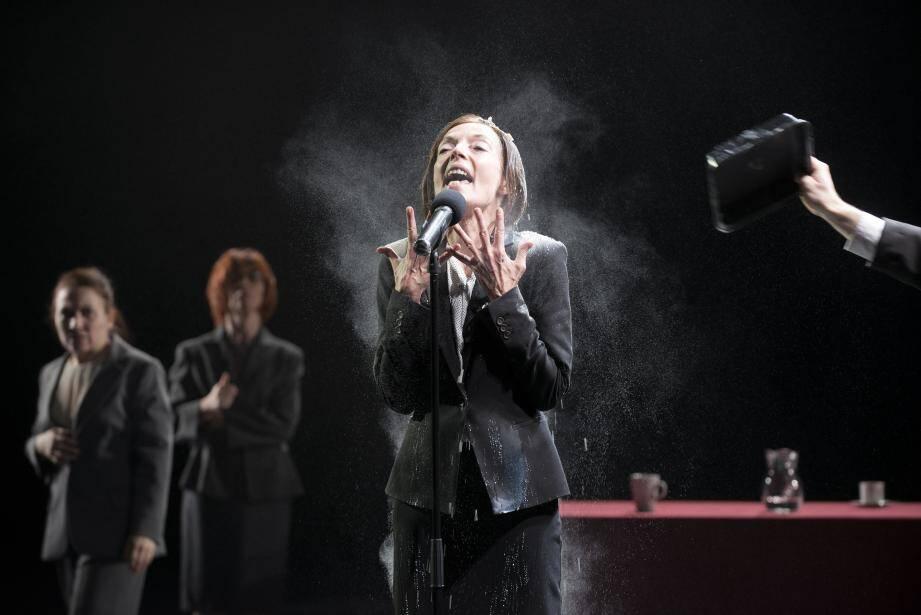 Pas de temps mort au cours des quatre heures du spectacle haletant signé Joël Pommerat.