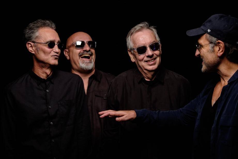 Depuis cinquante ans, les membres du groupe Gold passent leur vie sur scène, la passion de la musique et du public ne les a jamais quittés.