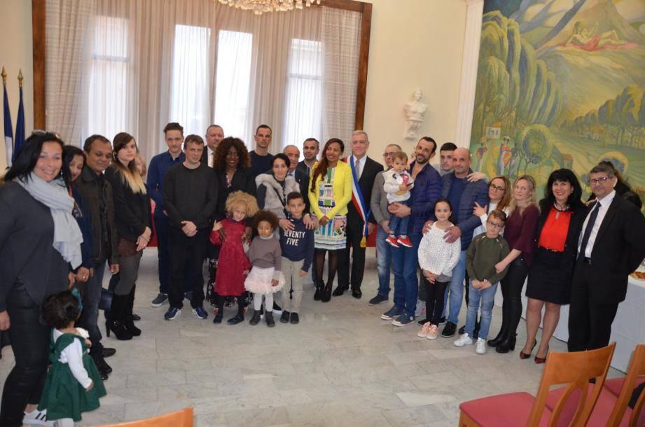 Les naturalisés de 2017 sont reçus avec leur famille par la municipalité.